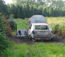 Auto uitgebrand: brandstichting - Lommel