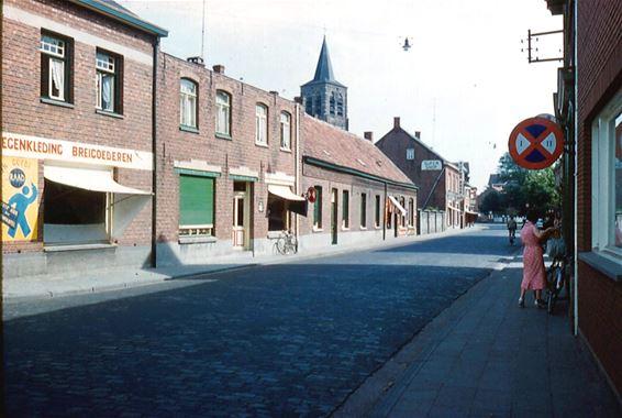 De Kerkstraat eind zestiger jaren - Lommel