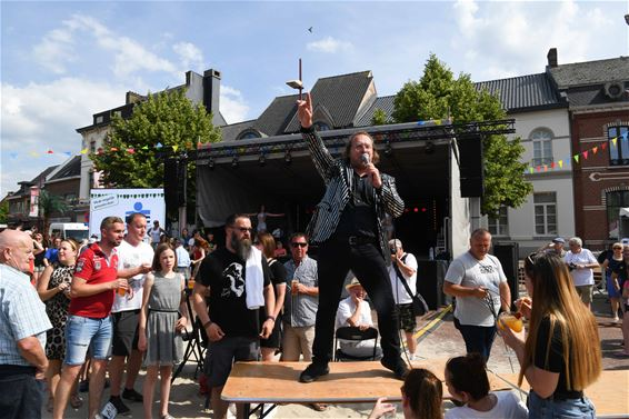 Joe Hardy sluit Beringen Beach swingend af - Beringen