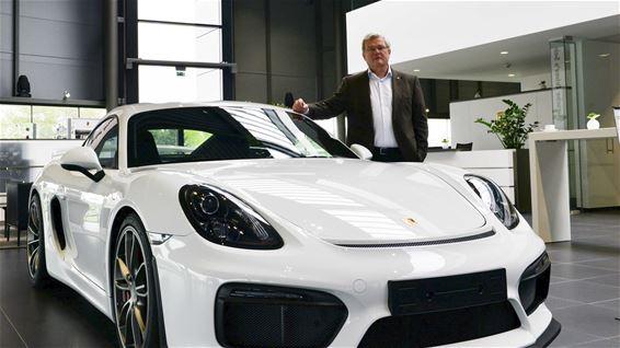 Beringen Porsche Center Paal Lokt Veel Nieuwsgierigen
