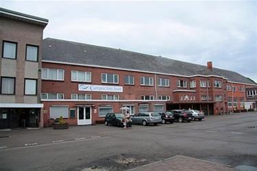 Stad wil schoolgebouwen kopen - Lommel